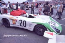 PORSCHE 908 Siffert/ Redman 1969 LE MANS lined up before the start